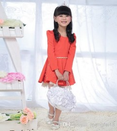 Girls winter dress child skirt dress Korean version of the new winter children 's clothes princess dress 2014 Winter Special Girls winter dress child
