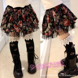 Girls clothing priced at wholesale 2013 new complex Gulei Si side skirts base skirt pleated skirt boots Lace pleated skirt , new  Kids Tong skirt